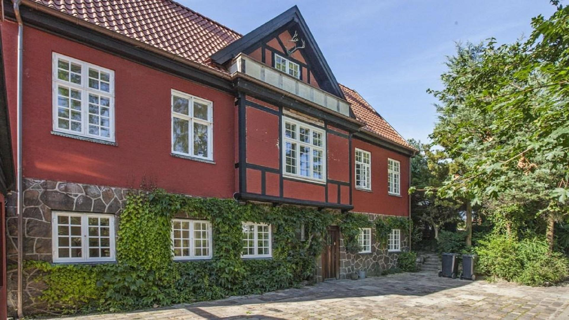 297 m² villa   Klampenborg   Housing Denmark