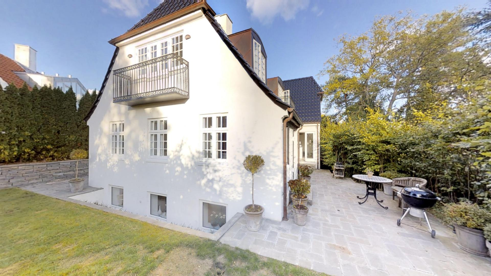 225 m² villa (300 etage m²)   Klampenborg   Housing Denmark